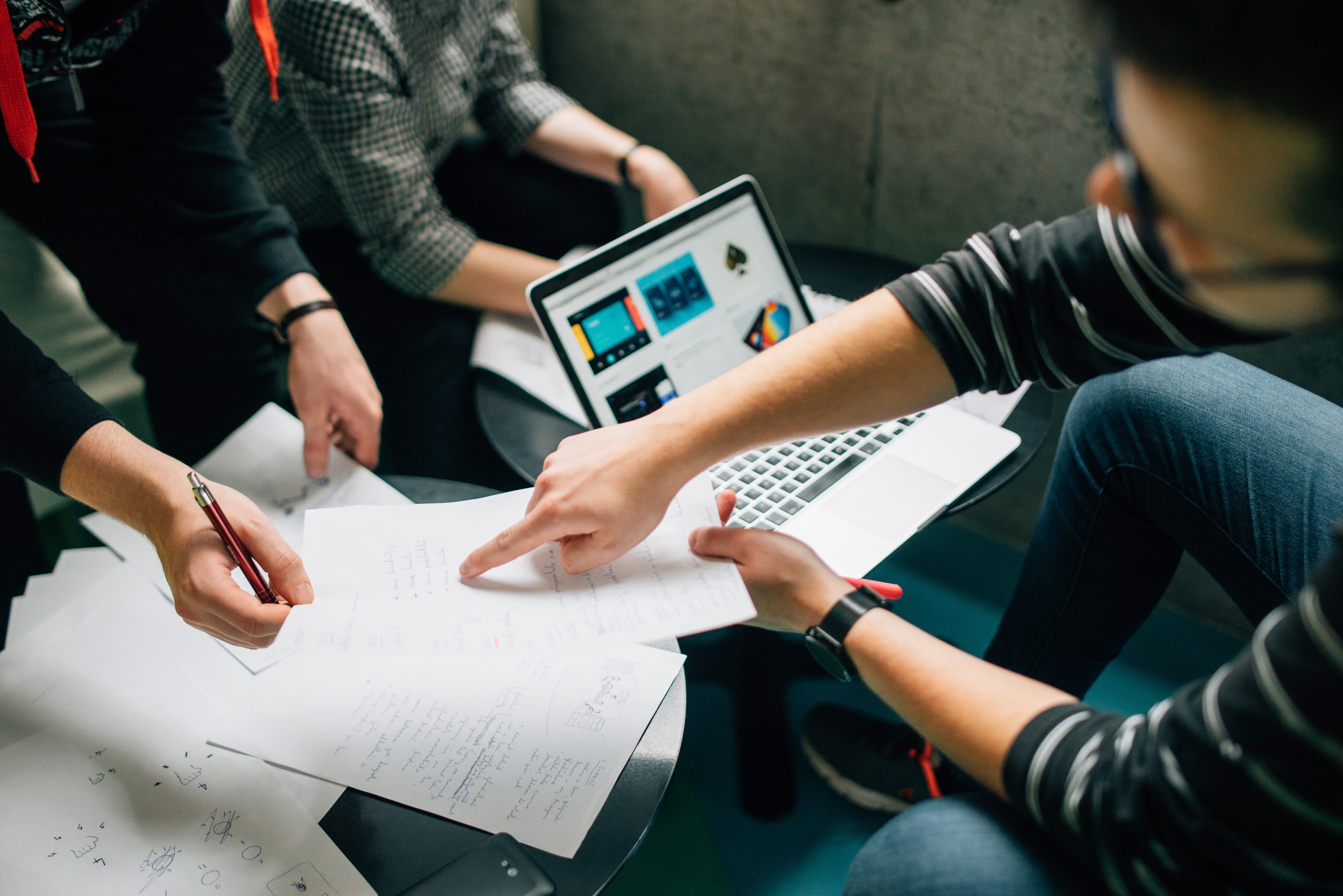 Comment manager les personnalités difficiles ? - Personnes retardataires anxieuses négatives - Innovation Story